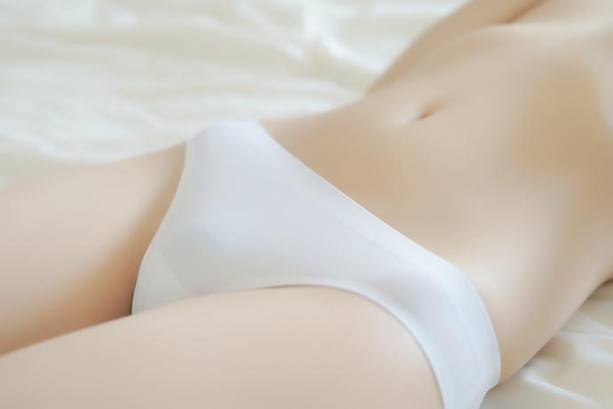 少女一区:纯洁白衣小姐姐