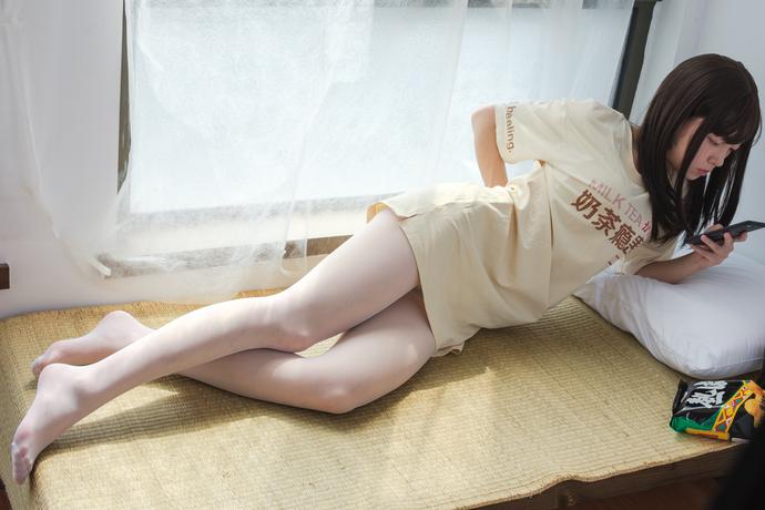 奶茶白丝小姐姐
