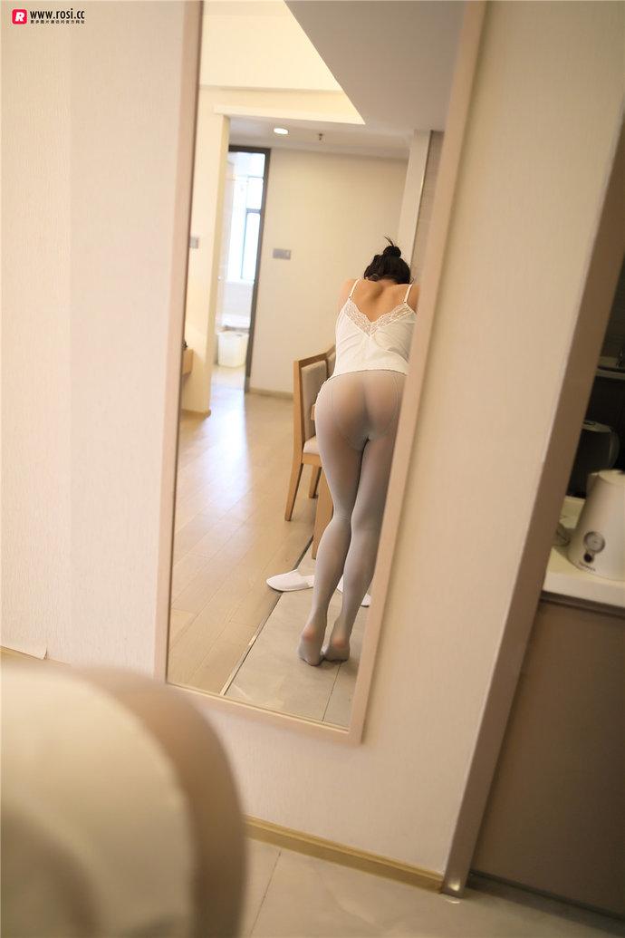 jianzhide.com_萌妹社_rosi系列:肉丝加上下半球的妹子才是最性感的