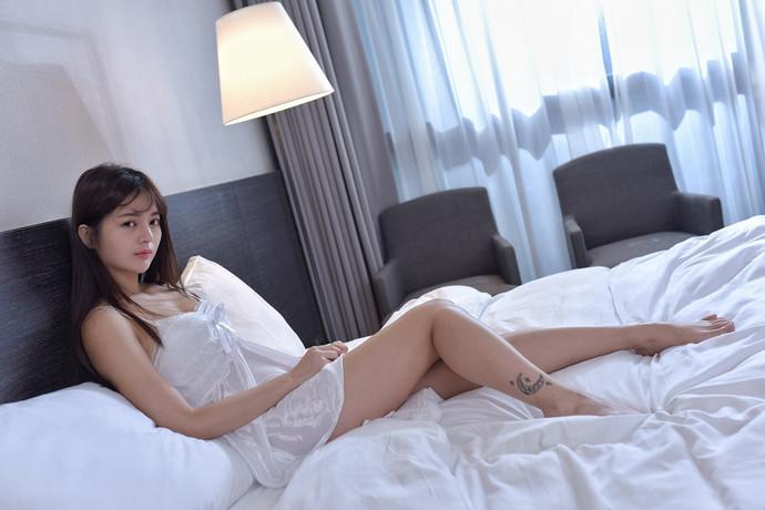 酒店隔壁房见的纹身小姐姐