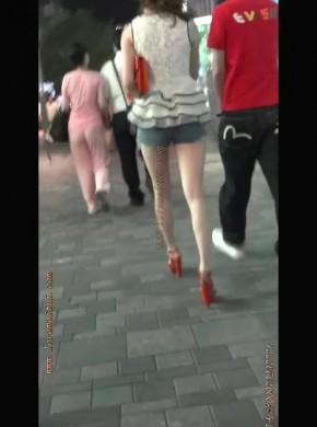 37-红高跟牛仔热裤少女
