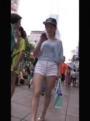56-白短热裤同姐妹逛街