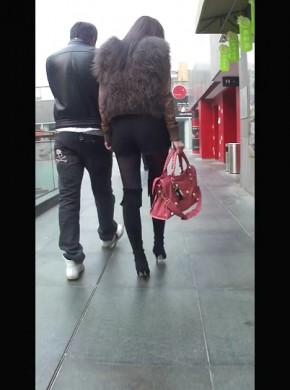 91-跟拍#xing*感黑絲長靴美女