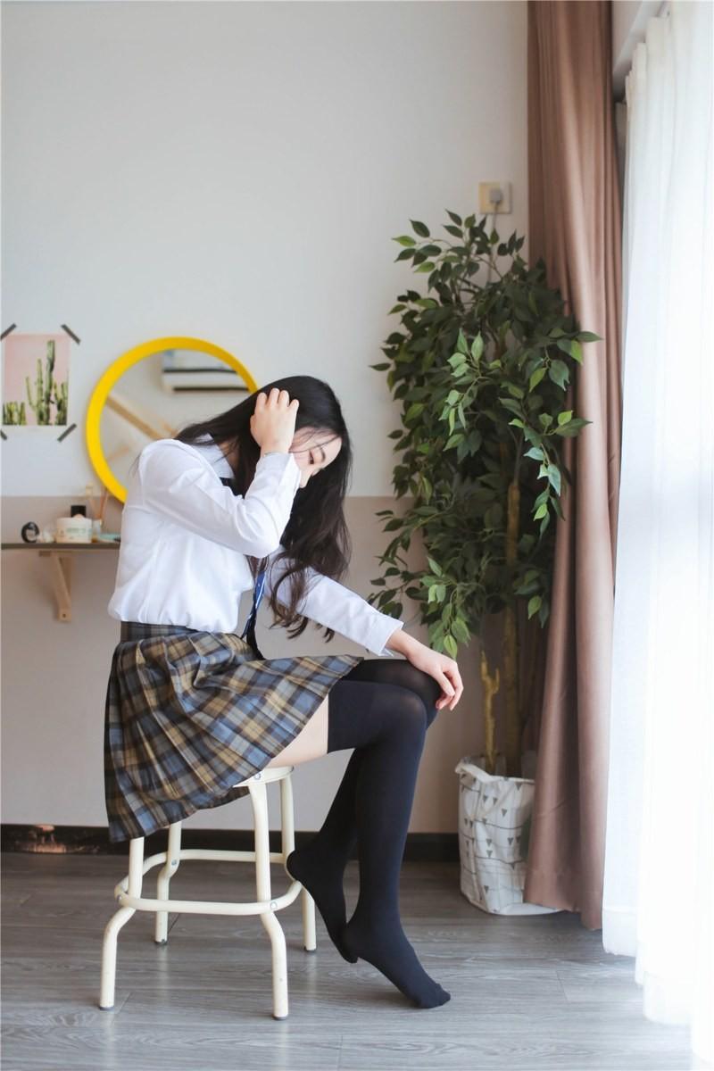 JK短裙萌妹 (3)