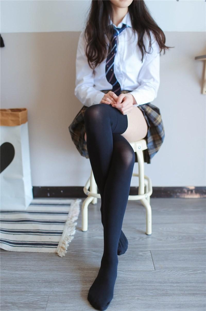 JK短裙萌妹 (1)