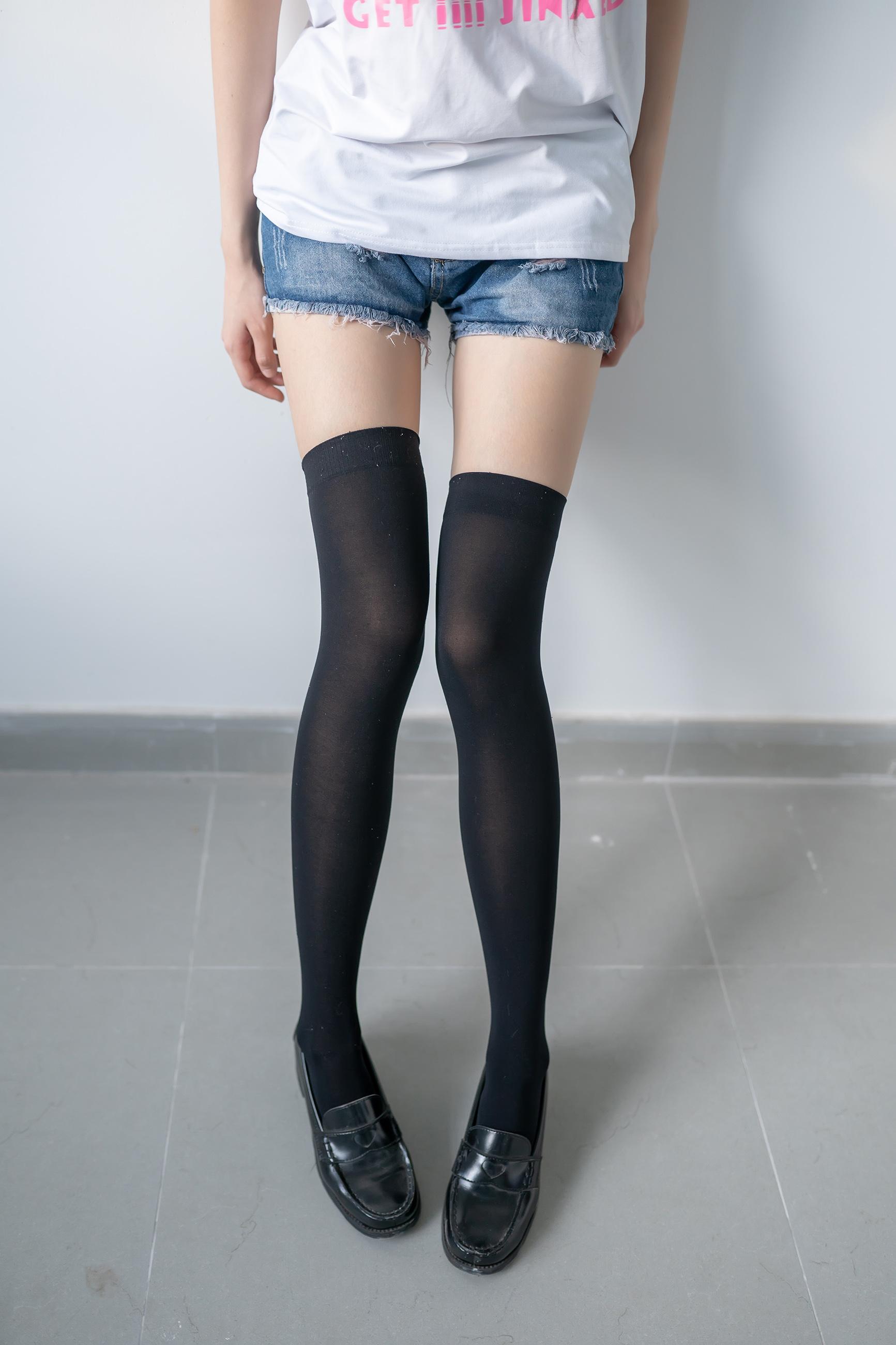 黑色半筒袜 (1)