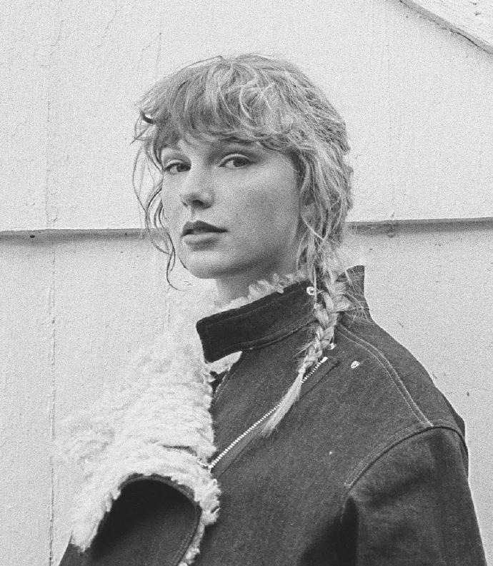 泰勒丝重录专辑再登顶纪录超越披头四